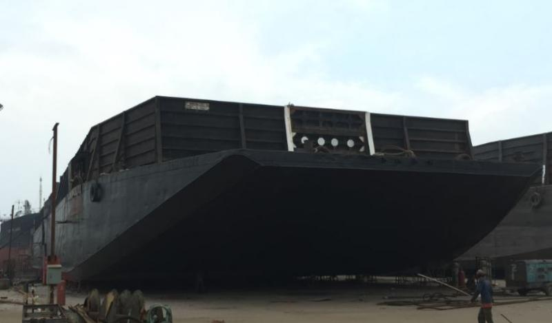 300' Bin Wall Barge and Ocean Tug Boat For Sale