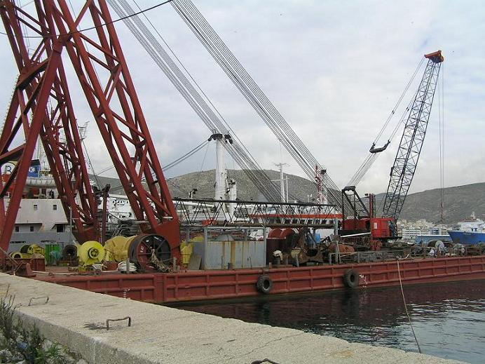 56m Sheer Leg Floating Crane 1975 - DWT 818 For Sale