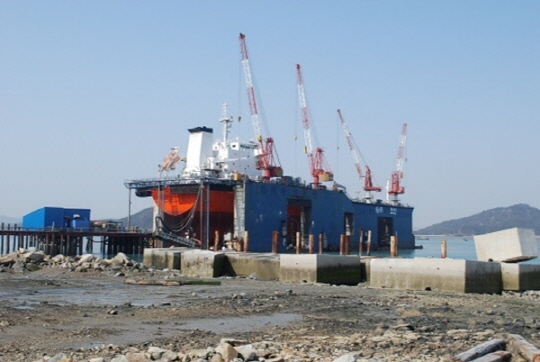 123m Pontoon Type Floating Dock - 9000 TLC For Sale
