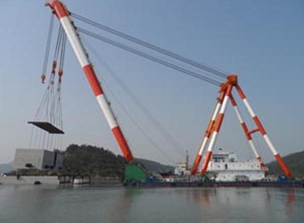 600 Ton Sheerleg Floating Crane For Sale