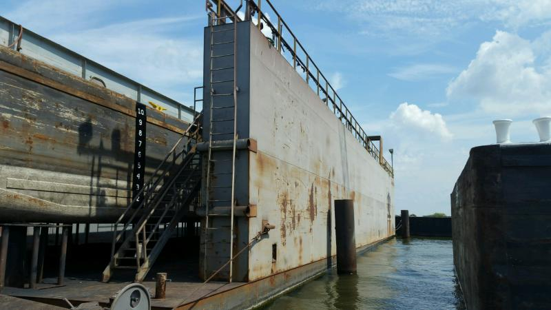 160 Floating Dry Dock 2011 Dwt 1600 52 Between Wing