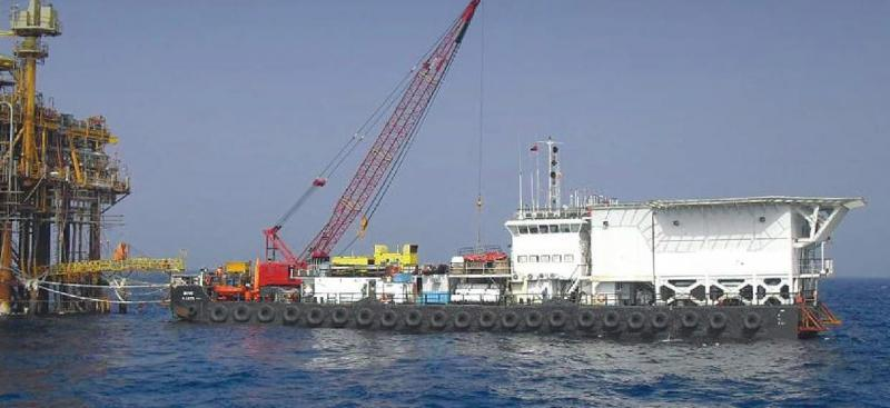61m Accommodation Work Barge 200 Person 8 Point 140 ton Crane
