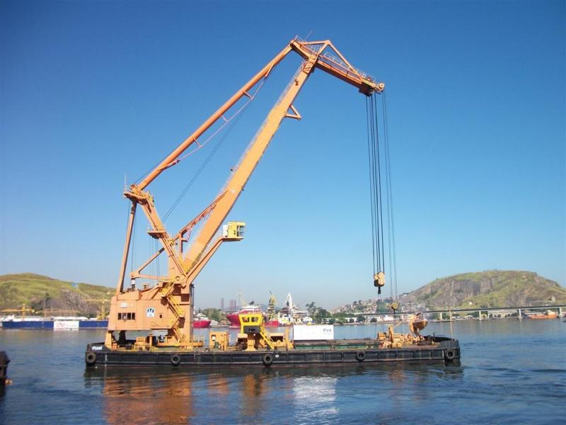 49m Self Propelled Floating Crane Lift 250 tons For Sale