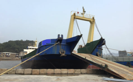 78m Self Propelled Barge LCT Type - DWT 2833 For Sale