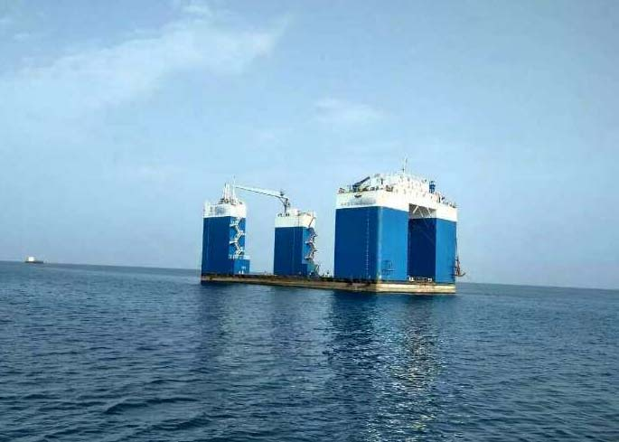 60m Semi Submersible Non Propelled 5000 ton Floating Dock For Sale