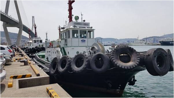 25m Harbor Tug Boat 1996 - Aqua Master X 2 Sets For Sale