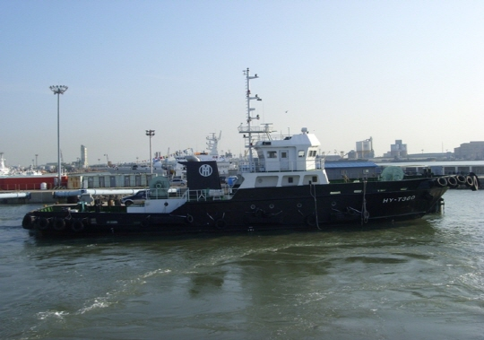 38m Towing Tug Boat 2013 - Accommodates 20 For Sale