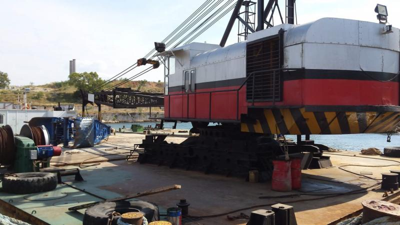 36m Floating Crane 1978 - Rebuilt 2011 - 120t TLC For Sale