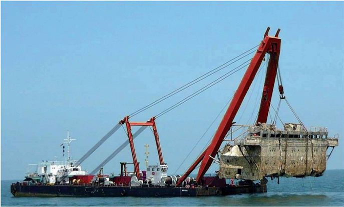 76m Floating Sheerleg Crane 1971 - 500t TLC For Sale