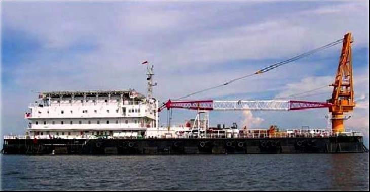 100m Accommodation Barge 2005 - 300 PAX -  Crane For Sale