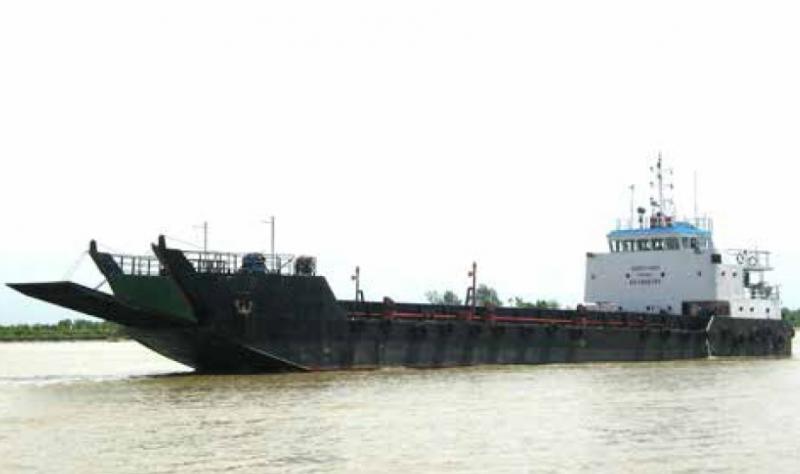 49m LCT Car Cargo Vessel 1997 - 270 SQM Deck Space - DWT 500 For Sale