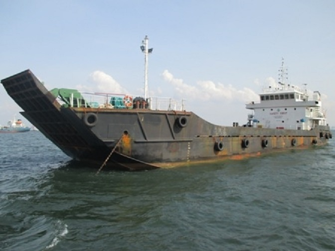 53m LCT Cargo Vessel 2009 - 350 SQM Deck Space - DWT 800 For Sale