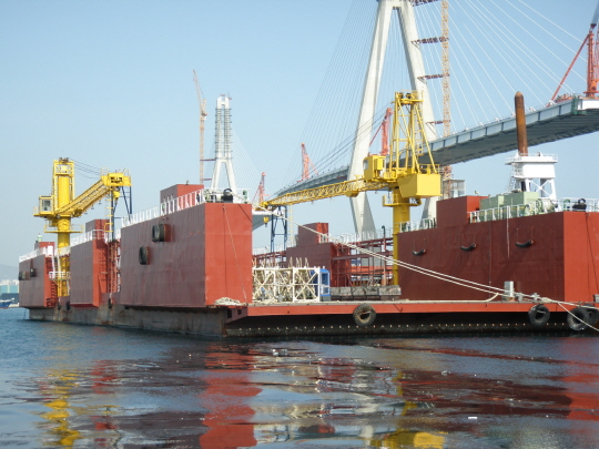 102m x 29m Floating Dry Dock 2006 - Lift 4500 tons - $4.16M USD