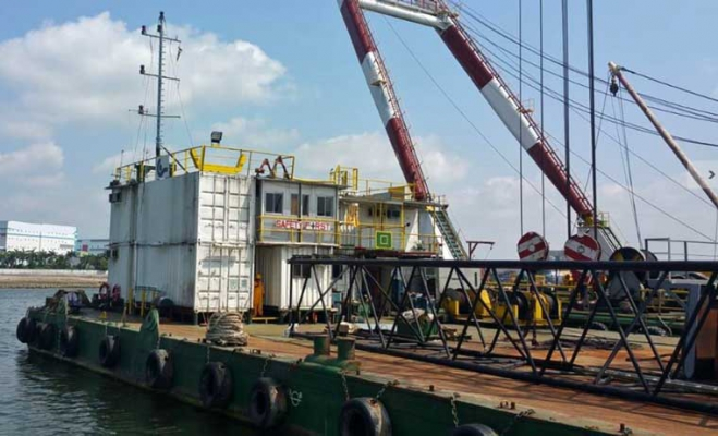 160' x 60' Deck Crane Barge 1994 - 30 Person Accommodation For Sale
