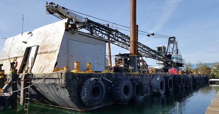 140' x 40' Deck Crane Barge For Sale