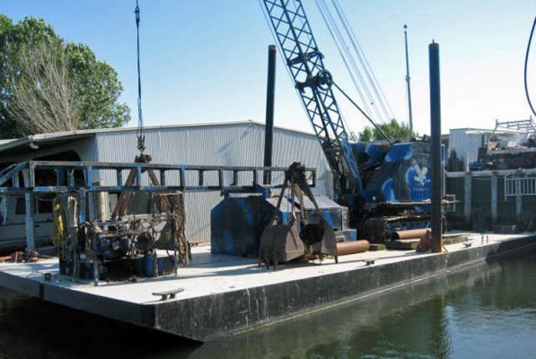 60' x 40' Sectional Crane Barge 2001 For Sale