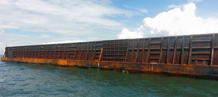 330' x 90' Ocean Deck Barge With Bin Walls 2009 - DWT 10875