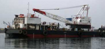 137' Clamshell Dredge 1992 - Capacity 8 m3 For Sale