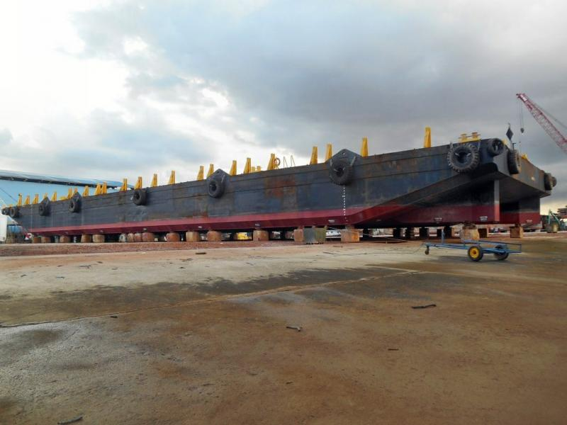 250' Deck Barge 2006 - 12T SqM Deck Strength - DWT 5500 For Sale