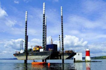 82' x 57' Modular Jack Up Barge 1999 - Capacity 88 Tons For Sale