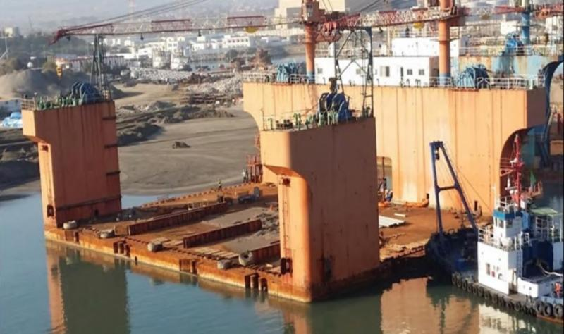 52m Floating Dry Dock 6500 ton Lift For Sale