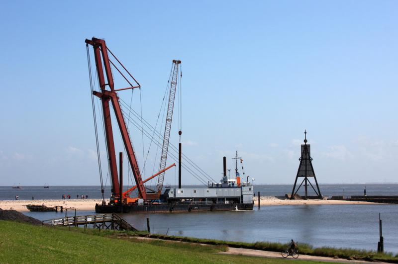 53m Floating Crane - 200 tons Lifting Capacity For Sale