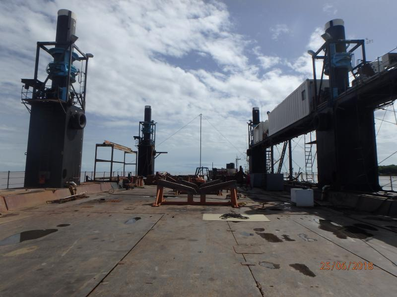 85m Containerized Jackup Dry Dock 2007 - 600T Lifting Capacity For Sale