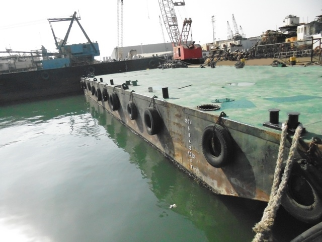 37m Flat Top Deck Barge 2004 - Clear Deck 375SQM - DWT 622 For Sale