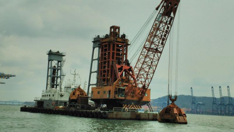 60m Grab Dredger 1985 - 20M3 - 530M3 Per Hour For Sale
