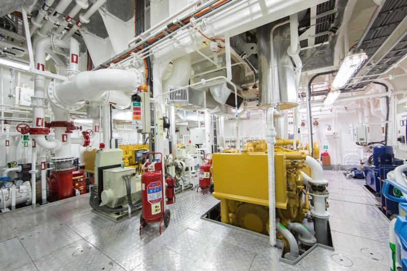 32m Azimuth ASD Tug FiFi-1 - 70 ton BP - ABS Classed LNG Terminal Tugs
