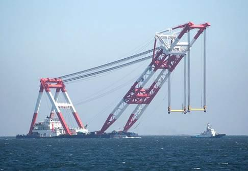 120m Floating Crane 2010 - 4000 Tons - Japan Built For Sale