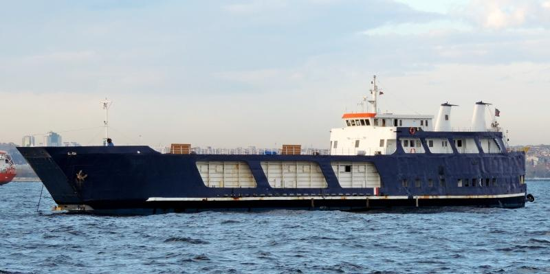 67m RORO Vessel 1974 - Bow and Aft Ramp - 11 Trucks - DWT 513 For Sale