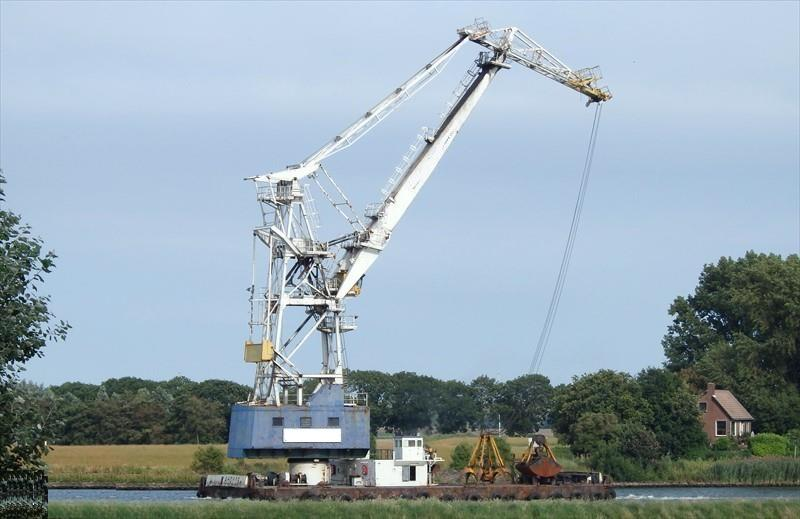 37m Floating Grab Crane 1974 - Self Propelled - Refit 2006 For Sale