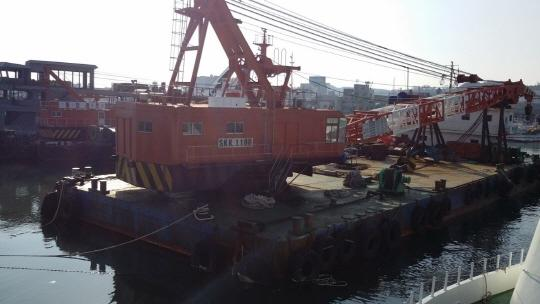 41m Floating Crane and Grab Dredger 1985 - 120 TLC - Japan Built For Sale