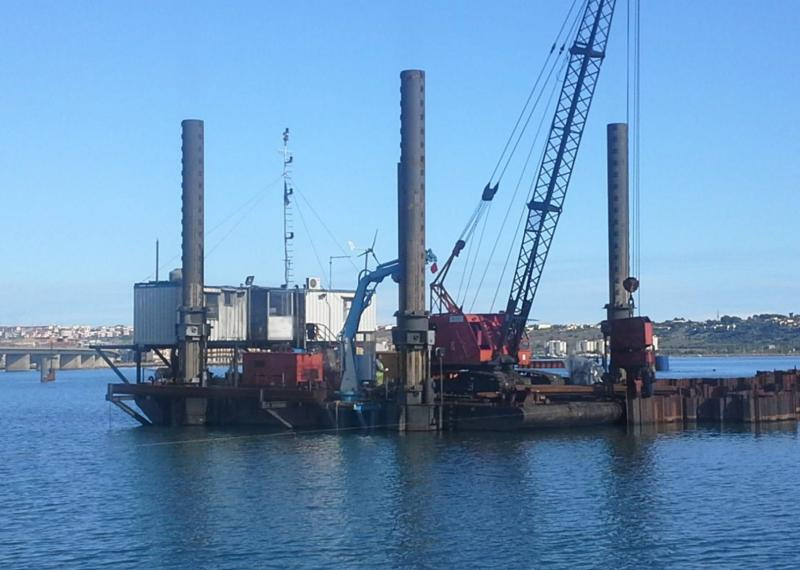 20m Jack Up Barge 1999 - 4 Legs 17.5m - Payload 100 T For Sale