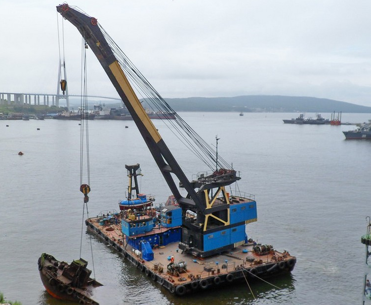 40m Floating 100 Ton Crane Barge 1973 - DWT 386 For Sale