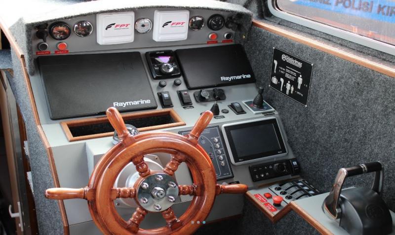 HDPE PATROL BOAT IZ 1300 for SALE