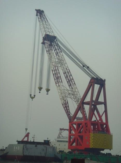 102m Accommodation Crane Barge 200 Man - 1500 ton SWL For Sale