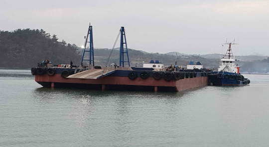 91m Deck Barge 2008 - Deck Load 15 T/M2 - Ballasting System - DWT 8145 For Sale