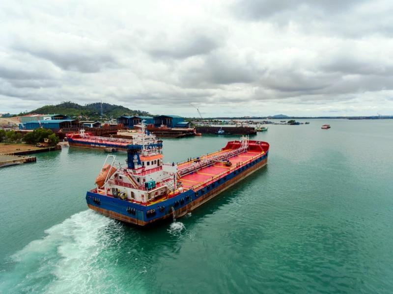 89m Self Propelled Oil Barge 2016 - DWT 6812 For Sale