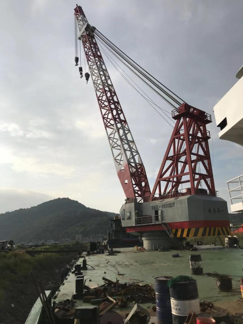 56m Self Propelled Crane Barge 2008 - 350 ton SWL Crane 2019