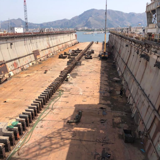 190m Geared Floating Dry Dock 1952 - DWT 19,000 For Sale