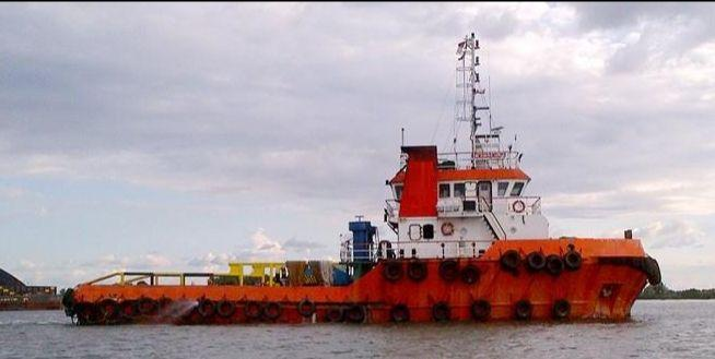 30m Towing Tug Boat 2008 - Twin Engine -Clear Deck 50m2 For Sale